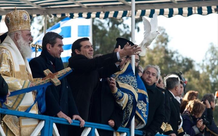 r720_ston-peiraia-gia-ta-theofaneia-o-al-tsipras