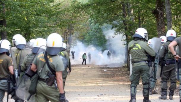 Répression d'une manifestation dans la forêt de Skouries